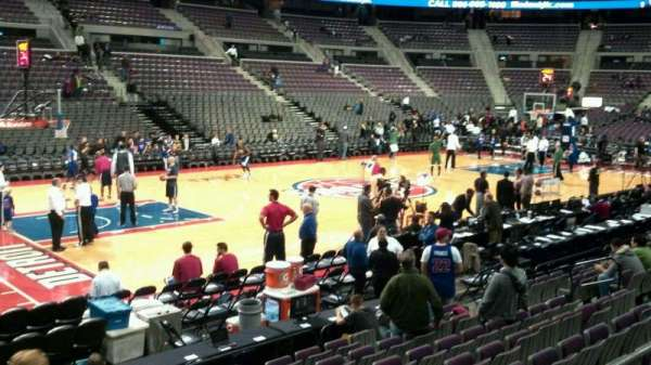 The Palace of Auburn Hills, vak: 115, rij: c, stoel: 018