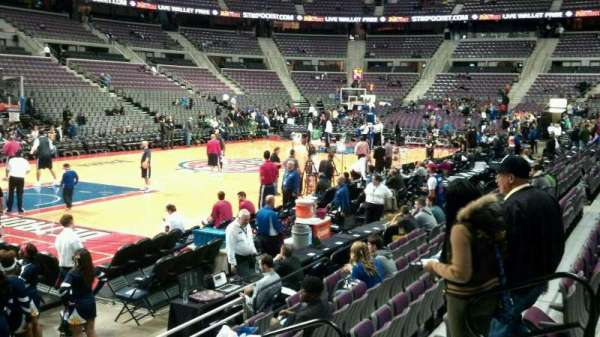 The Palace of Auburn Hills, vak: 116, rij: a, stoel: 008