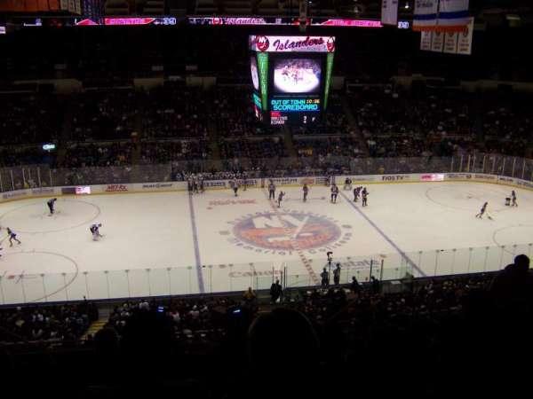 Old Nassau Veterans Memorial Coliseum, vak: 304, rij: P, stoel: 8