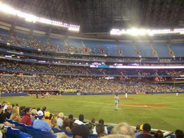 Rogers Centre, vak: 115R, rij: 7, stoel: 5