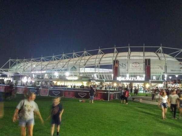 Rio Tinto Stadium, vak: exterior
