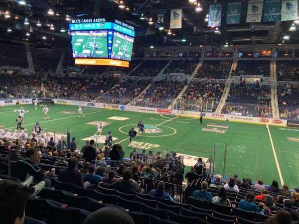 Blue Cross Arena, vak: 125, rij: Q, stoel: 5