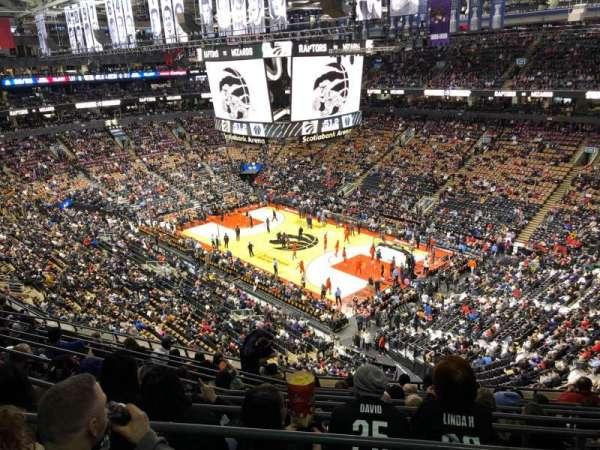 Scotiabank Arena, vak: 306, rij: 10, stoel: 8