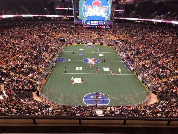 Scotiabank Arena, vak: 303, rij: 4, stoel: 13