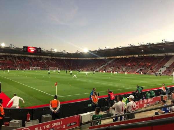 St Mary's Stadium, vak: 4748, rij: H, stoel: 1209