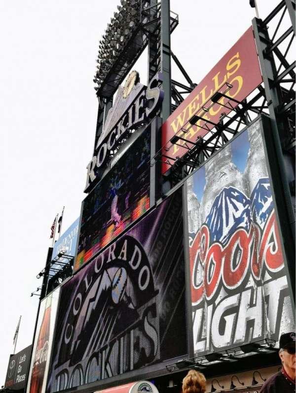 Coors Field, vak: 150