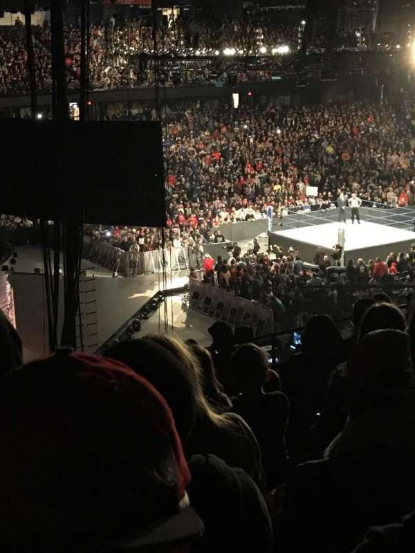 Allstate Arena, vak: 216, rij: q , stoel: 49