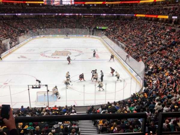Honda Center, vak: 326, rij: B, stoel: 11