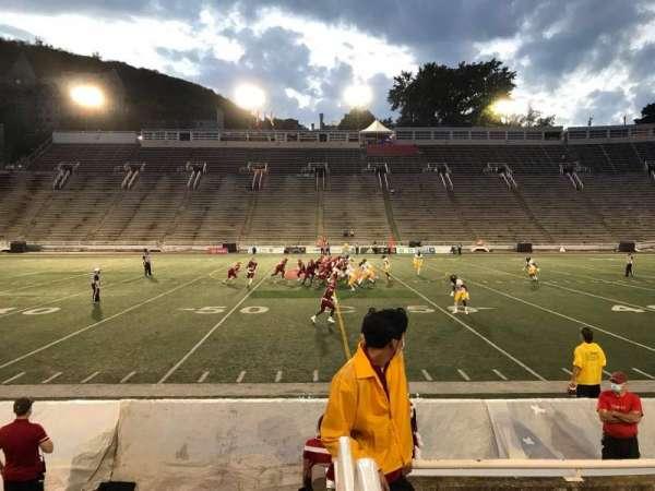 Percival Molson Memorial Stadium, vak: V1, rij: 1, stoel: 21