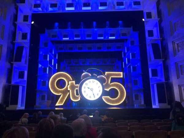 Savoy Theatre, vak: Stalls, rij: J, stoel: 14