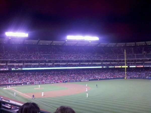 Angel Stadium, vak: C346, rij: b, stoel: 11