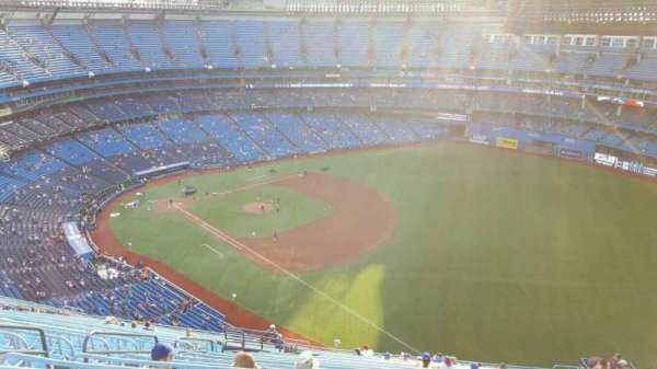 Rogers Centre, vak: 513R, rij: 27, stoel: 4
