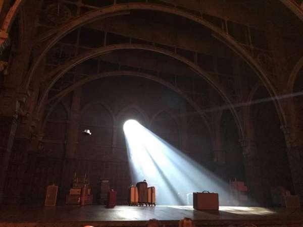 Lyric Theatre, vak: Orch Left, rij: D, stoel: 13