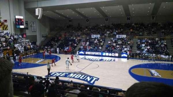 Knott Arena, vak: 19, rij: Q, stoel: 14