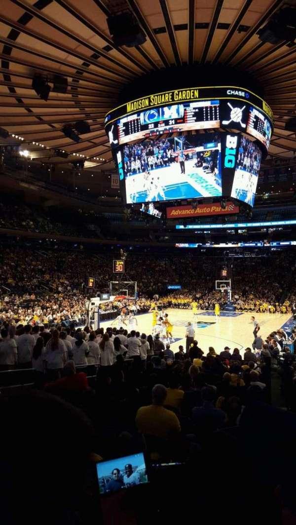 Madison Square Garden, vak: 103, rij: 7, stoel: 14