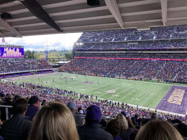 Husky Stadium, vak: 225, rij: 11, stoel: 19