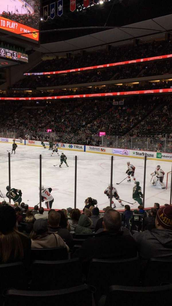 Xcel Energy Center, vak: 126, rij: 13, stoel: 4