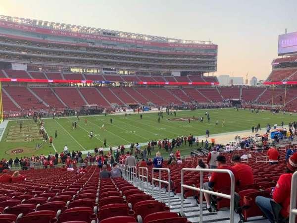 Levi's Stadium, vak: 121, rij: 33, stoel: 1