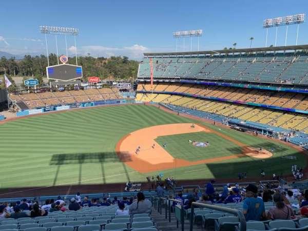 Dodger Stadium, vak: 27RS, rij: V, stoel: 1