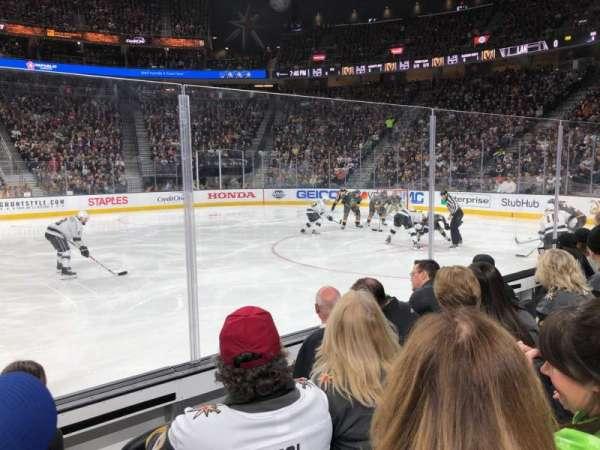 T-Mobile Arena, vak: 16, rij: DD, stoel: 17