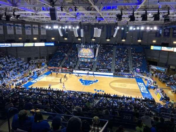 Alumni Arena (University at Buffalo), vak: 305, rij: F, stoel: 9