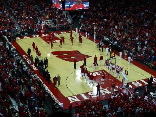 Kohl Center, vak: 317, rij: D, stoel: 6