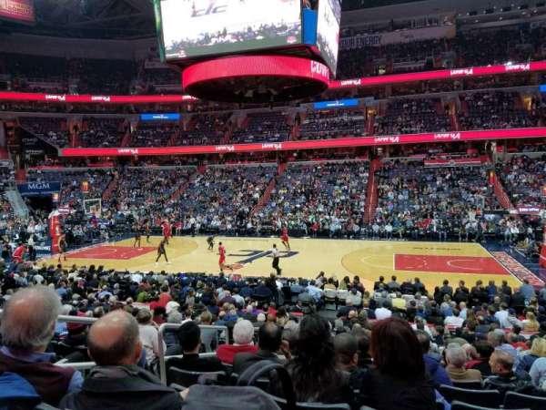 Capital One Arena, vak: 101, rij: Q, stoel: 4