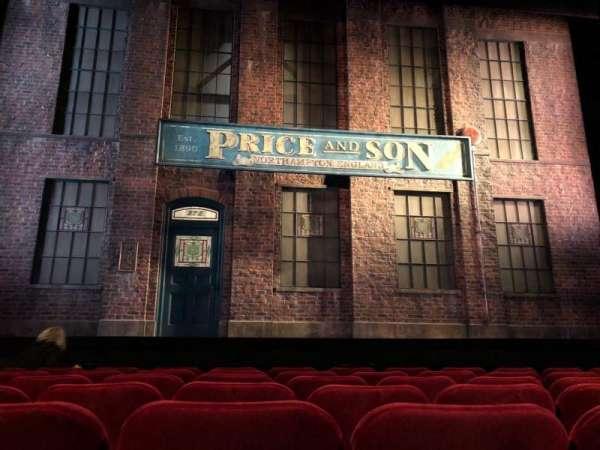 Al Hirschfeld Theatre, vak: Orchestra, rij: G, stoel: 111
