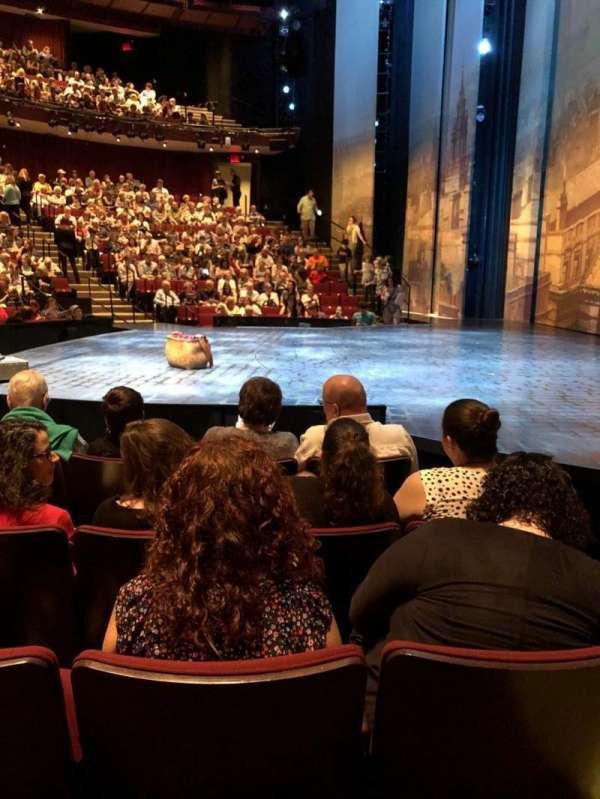 Vivian Beaumont Theater, vak: Orchestra, rij: F, stoel: 115