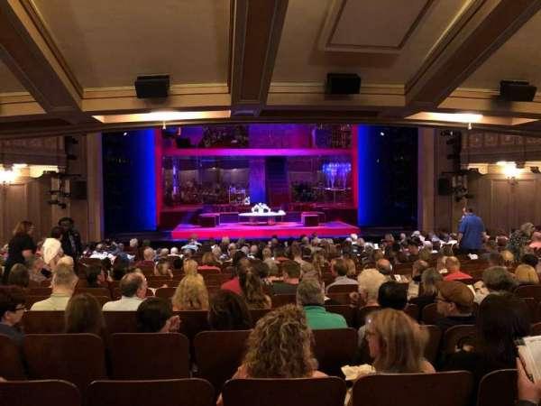 Booth Theatre, vak: SRO, stoel: 106