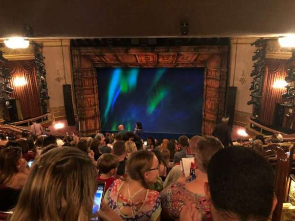 St. James Theatre, vak: Mezz, rij: Q, stoel: 101