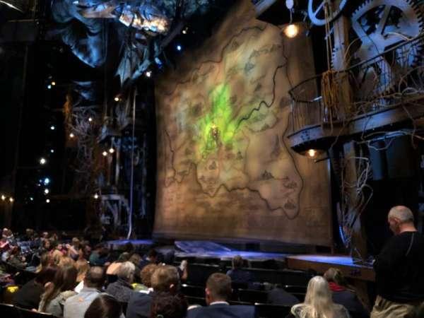 Gershwin Theatre, vak: ORCH R, rij: D, stoel: 24