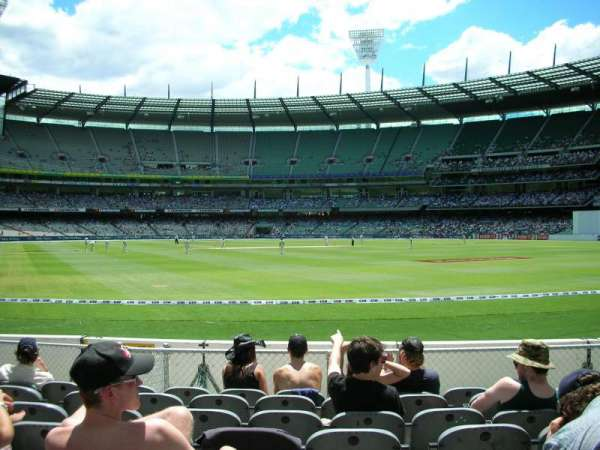 Melbourne Cricket Ground, vak: GENADM, rij: K, stoel: 133