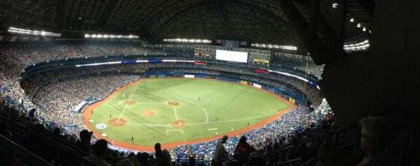 Rogers Centre, vak: 519L, rij: 21, stoel: 106