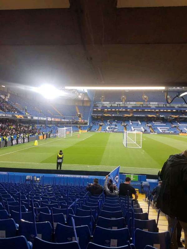 Stamford Bridge, vak: east lower south family, rij: u, stoel: 0025