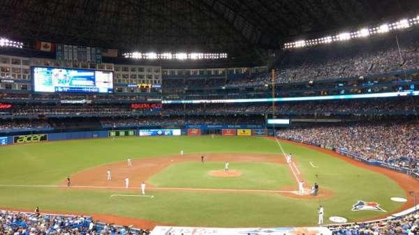 Rogers Centre, vak: 227L, rij: 3, stoel: 106