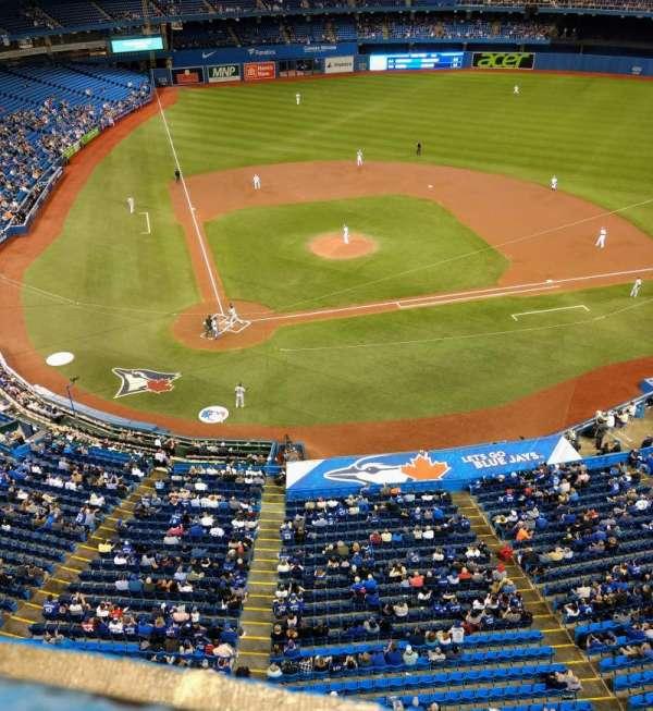 Rogers Centre, vak: 522L, rij: 1, stoel: 105