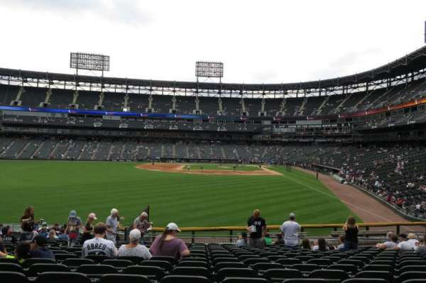 Guaranteed Rate Field, vak: 158, rij: 9, stoel: 18