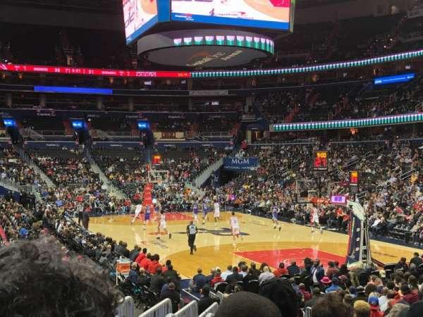 Capital One Arena, vak: 104, rij: N, stoel: 5