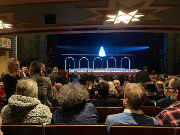 Mainstage at the New York City Center, vak: Orchestra, rij: O, stoel: 103