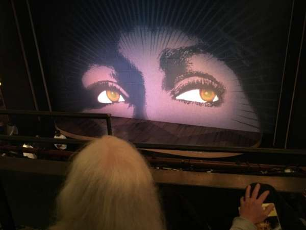 Lunt-Fontanne Theatre, vak: Front Mezzanine R, rij: B, stoel: 4