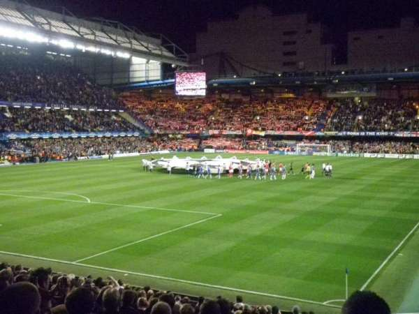 Stamford Bridge, vak: Matthew Harding Lower, rij: AA, stoel: 328