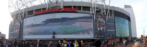 Old Trafford, vak: Outside
