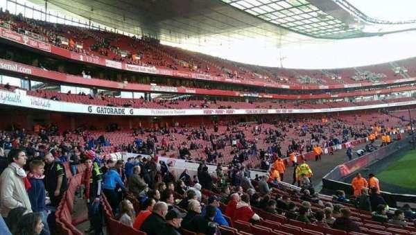 Emirates Stadium, vak: 20, rij: 15