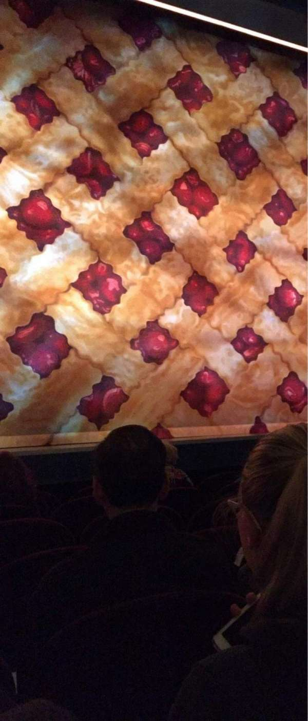 Brooks Atkinson Theatre, vak: Orchestra C, rij: C, stoel: 102