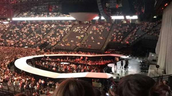 AccorHotels Arena, vak: h, rij: 5, stoel: 10