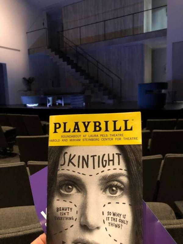 Laura Pels Theatre, vak: Orchestra, rij: G, stoel: 6