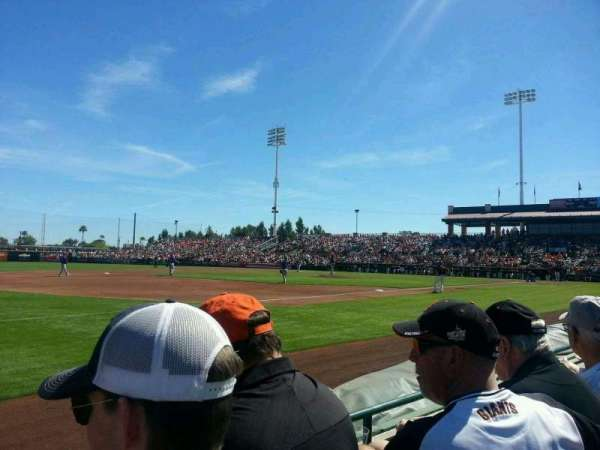 Scottsdale Stadium, vak: 121, rij: B, stoel: 10