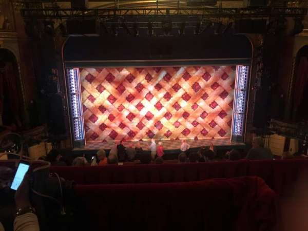 Brooks Atkinson Theatre, vak: Front Mezzanine C, rij: F, stoel: 116