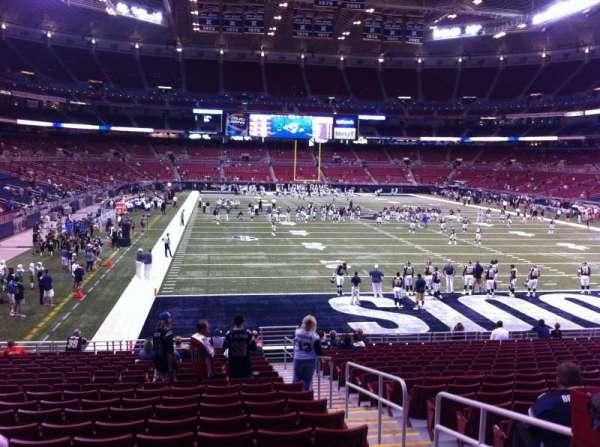 The Dome at America's Center, vak: 130, rij: U, stoel: 2